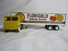 Winross 1980 FLORIGOLD (SEALD SWEET) White 7000 Cargo Truck