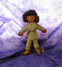 VINTAGE CANADIAN HANDICRAFTS GUILD MANITOBA ESKIMO DOLL 107 with TAG