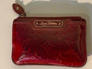 LOUIS VUITTON womens Vernis Pomme D'Amour Cles Key Pouch Red Zip