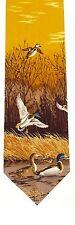 Scène de chasse canard marron cadeau cravate en soie de tir sur étang vol Mallards