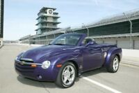 2003 Chevrolet SSR Indianapolis 500 Pace Car Engine Press Photo 0094