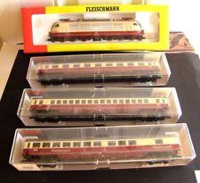 VINTAGE FLEISCHMANN H.O. TRAIN SET  ENGINE WITH 3= 10 INCH PASSENGER CARS SUPER