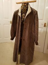 Coat that everyone will admire. Taupe snakeskin and sheepskin