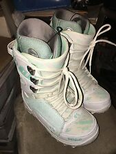 Lightly Used THIRTY TWO 32 Womens Lashed  White/Mint snowboard boots Ladies US 9