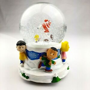 Peanuts Music Box Snow Globe Linus & Lucy Ice Skating Winter Holiday Water Globe