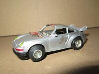 338P Slot Car Porsche 911 Carrera #8 Voiture Circuit Testé Pile Fonctionne Bien