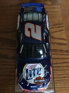 SIGNED 2002 RUSTY WALLACE MILLER LITE HARLEY DAVIDSON DIECAST