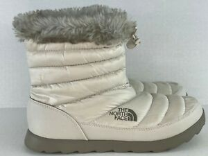 The North Face Boots Down Filled Quilted Boots Size 9 White Faux Fur Trim