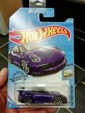 Hot wheels PORSCHE 911 GT3 RS purple 2019