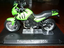 MOTO  1/24 TRIUMPH TIGER 955i