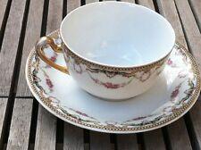 Tasse pour le thé couronne de fleurs estampillées A.O.C.L Limoges