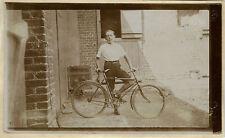 PHOTO ANCIENNE - VINTAGE SNAPSHOT - BICYCLETTE VÉLO GARÇON - BIKE BICYCLE BOY