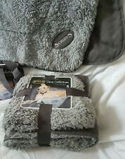 SCRUFFS COSY PLUSH PET BLANKET. REVERSIBLE. MACHINE WASHABLE. DOG CAT PUPPY  BED