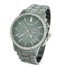 DKNY elegante Armbanduhren mit Datumsanzeige für Erwachsene