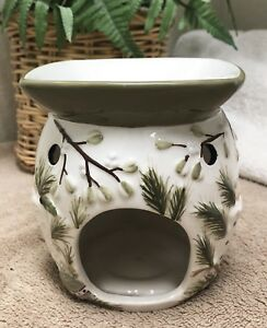 Yankee Candle 3D Candle Holder Christmas Holiday Green Ceramic Votive Oil Warmer