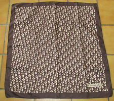 T. joli foulard vintage CHRISTIAN DIOR monogramme  twill soie silk scarf TBE