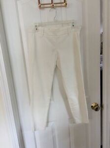 Women's*MAX STUDIO White Cropped Pants*Size 4*suggested retail $98.00*nwt