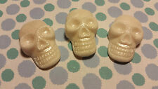 Edible Cake/Cupcake Decorations - 12 Large Skulls - Sugarpaste Toppers
