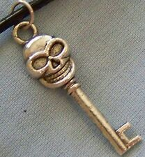 ^v^_ _GOTHIC  ~ SCULL  ~  KEY ~  NECKLACE  ---- (GREAT_CHRISTMAS_GIFT)