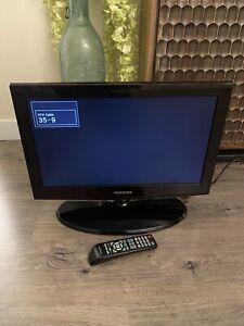Samsung 22'' HD Flat Screen TV Model NO. LN22B460B2D W/ Remote *READ DESCRIPTION