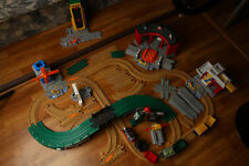 Geotrax Lot Workin Town Railway Roundhouse Barrel Loader Tracks Works Geomotion