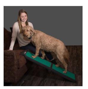 Pet Gear Full Size Bi Fold Dog Ramp Travel Assists Dog Mobility  - NQP