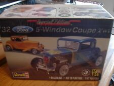Revell   special edition 1/25  1932 Ford 5 window coupe 2 in 1