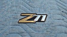 2000-2006 NOS CHEVROLET SUBURBAN TAHOE Z71 4X4 EMBLEM NAMEPLATE 15051184 FACTORY