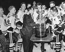 1961 CHICAGO BLACKHAWKS STANLEY CUP CHAMPIONS PRESENTATION 8x10 TEAM PHOTO