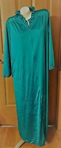 Vintage Vanity Fair Blue Nylon Long Gown and Robe Size L USA