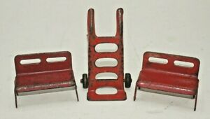 VINTAGE MARX 3 TRAIN ACCESSORIES  (1)HAND TRUCK & (2) BENCHES