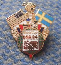 TEAM SWEDEN WORLD CUP SOCCER FOOTBALL FUSSBALL USA 1994 PIN BADGE