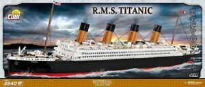 COBI R.M.S. Titanic / 1916  / 2840  blocks  British ship boat  toys LTD