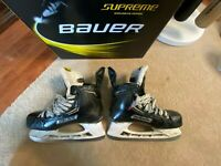 Pair of Bauer supreme 2S Ice Hockey skates US Size 8