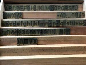 Druckschriftsatz für Deckel Graviermaschine, erhaben, Messing