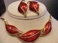 DEMI Parure TRIFARI Red ENAMEL Leaves 2P SET NECKLACE & EARRINGS Vtg Gold tone