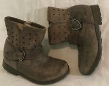 Girls Clarks Brown Leather Lovely Boots Size 5.5F (374vv)