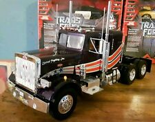 Revell PETERBILT MODEL 359 CONVENTIONAL TRACTOR,FULLY ASSEMBLED,1:25 SCALE,MINT