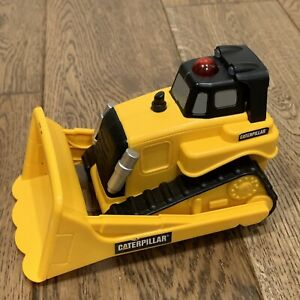 """Caterpillar CAT 6"""" Battery Operated Lights & Motion Bull Dozer Toy State"""