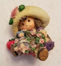Enesco 1994 Blossoms of Love to you #114049 - Girl / Figurine / Statue