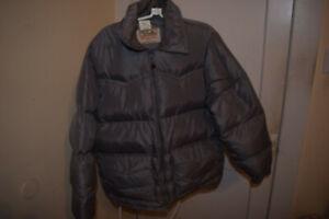 Vintage Walls Mens Size Medium Blizzard Pruf Puffer Zip Jacket Down Fill
