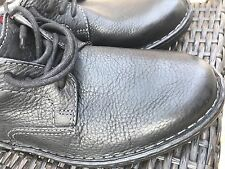 New Men's Clarks Stitch Black Tumbled Leather Shoes,Size 9.