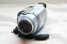 Sony Handycam DCR-TRV238E PAL DIGITAL 8 Caméscope avec lecture Hi8/8mm