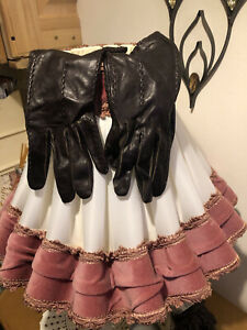 Ladies Leather Silk Lined Gloves  Size 7.5