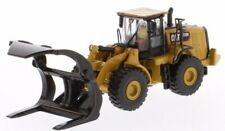 Diecast Masters 85950 - Cat 972m Wheel Loader With Log Forks FORRESTRY 1 87 H0