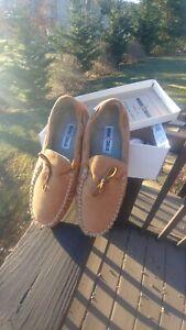 Minnetonka Men's Casey Suede Slippers - size 9 cinnamon 4154 NIB