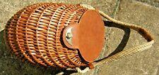 panier de pêche osier et cuir très bon état rare collection bourriche ancien