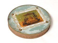 Boîte ronde dorée fixé sous verre angelot temple personnages XIXème siècle