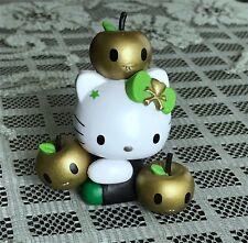 Tokidoki Hello Kitty Vinyl Figure~7-11 Gold Edition~Sitting With Apples~Sanrio