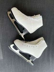 American Athletic Women's/Youth Size 7 Shoes White Lined Figure Ice Skates